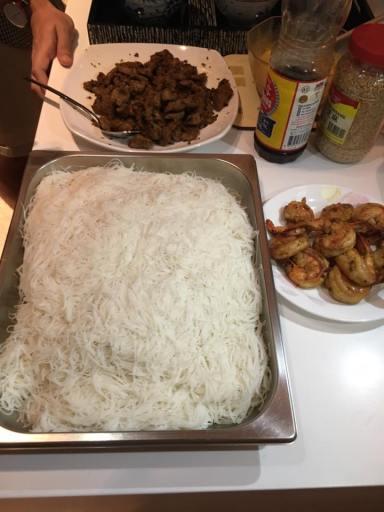 beehoon, chragrilled pork & grilled prawns