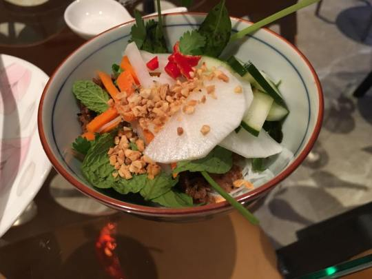 bun cha - vietnamese chargrilled pork on beehoon