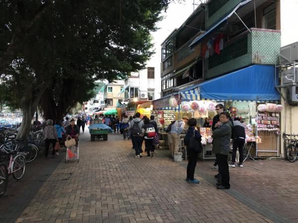 cheung chau pier side street