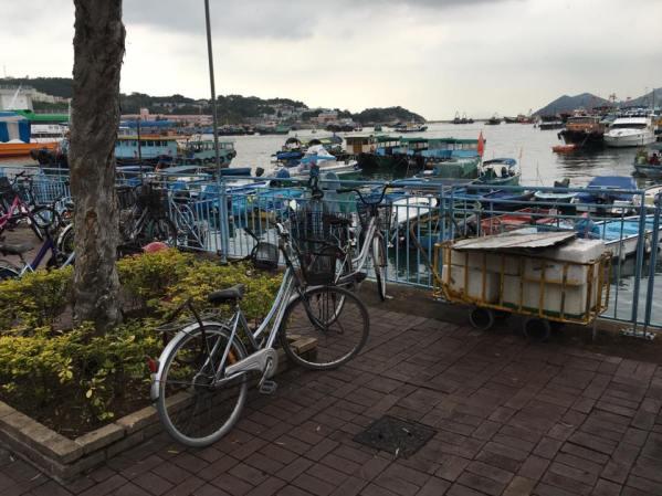 cheung chau pier side