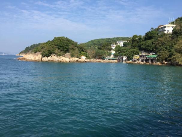 lamma island view from yung shue wan pier 榕树湾码头