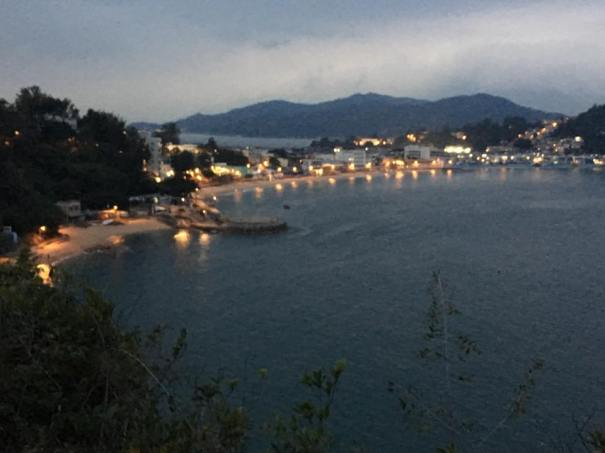looking back at kwun yam wan(观音湾) beach & tung wan (东湾) beach at dusk on way back