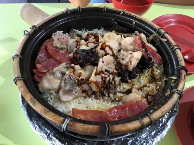 S$10 for 2pax new lucky claypot rice