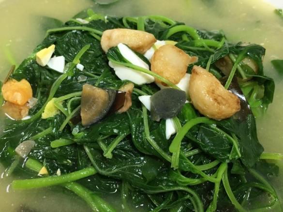 2 eggs spinach