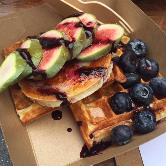 cheese & fig & waffle