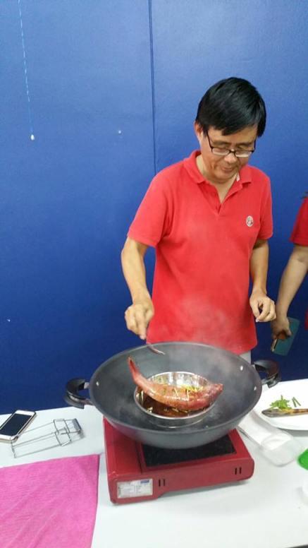 demo HK steamed red garoupa 示范港蒸红斑