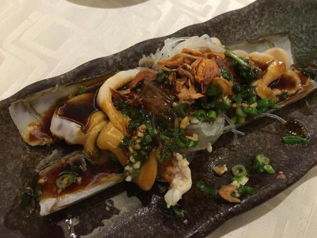 garlic steamed razor clams - S$12.80