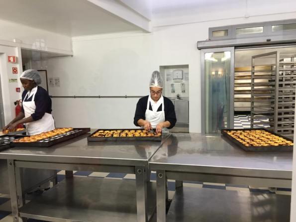 pasteis de belem factory line