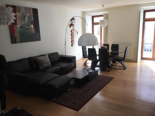 hall - Airbnb 3 bedroom apartment at Rua da Misericórdia 98, Lisboa