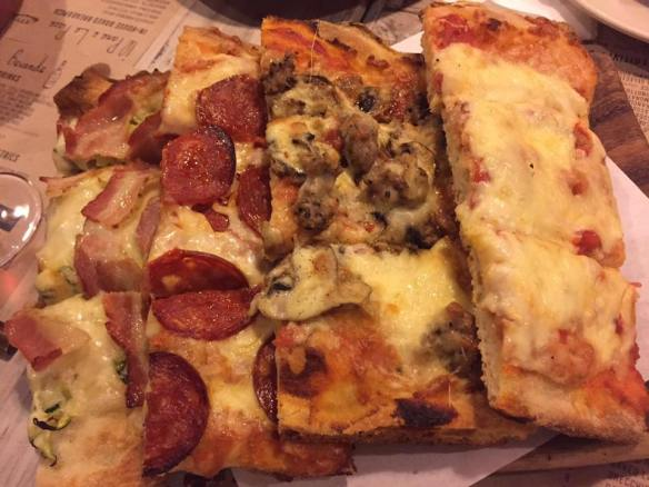 assorted pizza (medium)