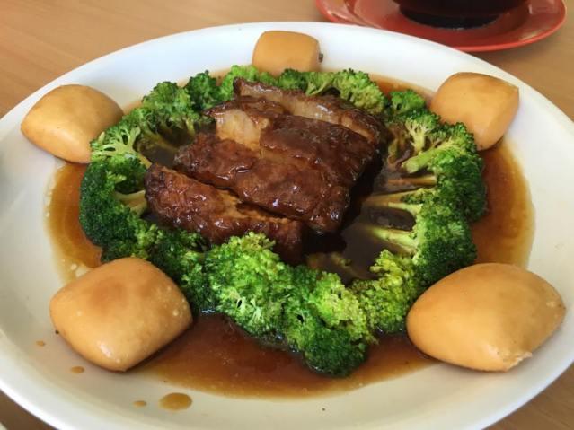 东坡肉dongporou with brocoli & bun