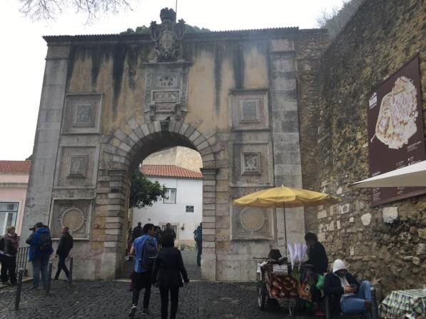 Entrance to castelo sao jorge