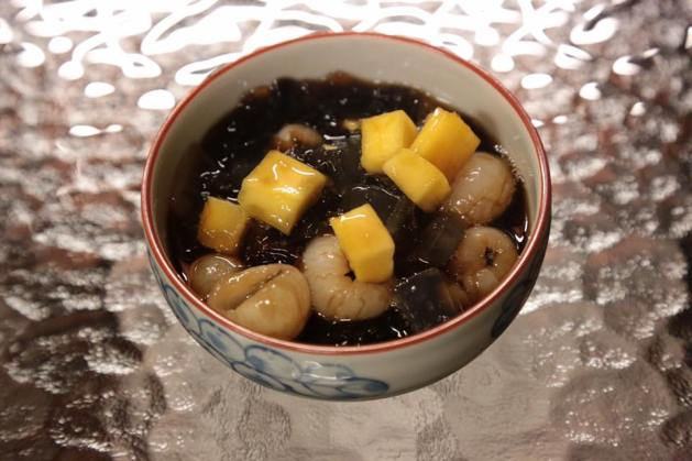 excellent cheng chow mango, longans & aloe vera