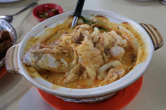 fish head curry S$25