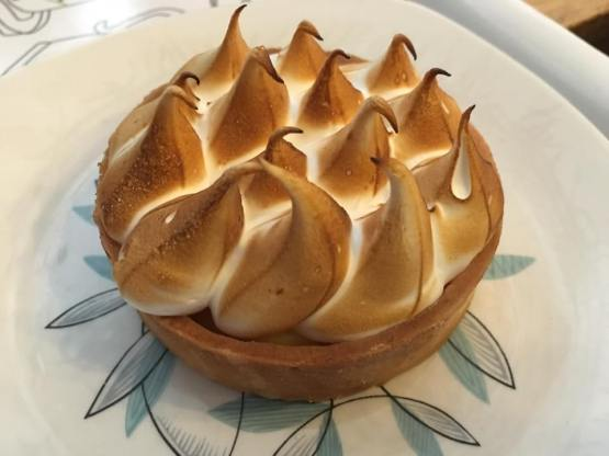 passiona fruit meringue tart