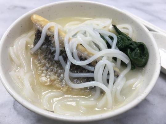fish belly thick beehoon 鱼肌米粉
