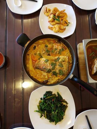 fish head curry, salted egg prawns, fried kai lan