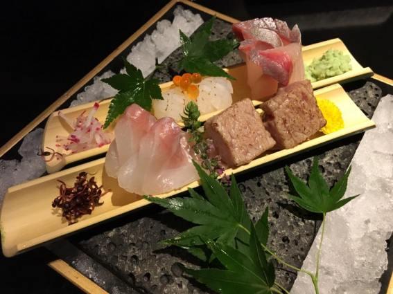 sashimi moriawase - aburi otoro, tai, hamachi, ika