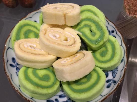 wai han brought pandan & durian rolls