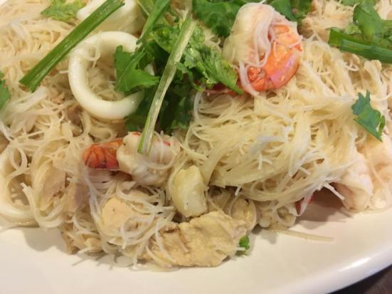 very moist & stock infused white beehoon