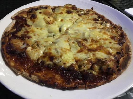 chicken & cheese pizza