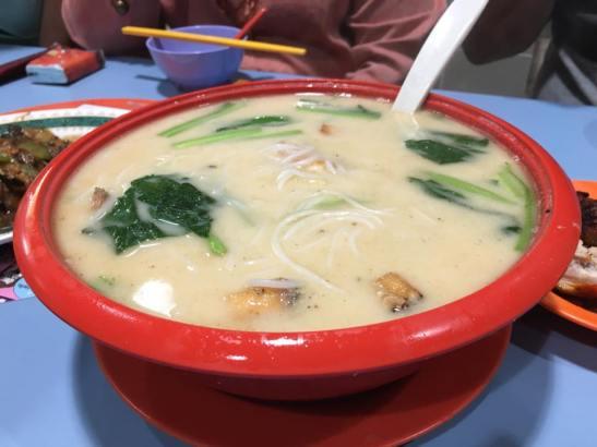 鱼肌米粉 fish belly thick beehoon soup
