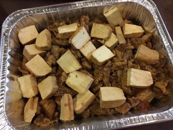 kong bak braised pork 鲁腩肉 with tau kua & tau pok