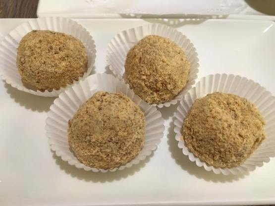 sesame dumplings 芝麻汤圆