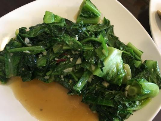 stir-fried romaine lettuce 油麦菜