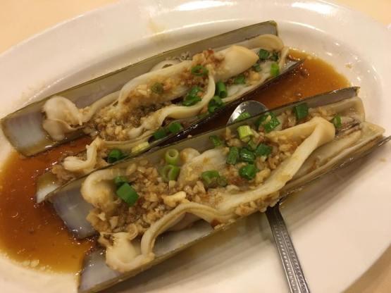 garlic steamed bamboo clams 蒜蓉蒸 - S$6.90each