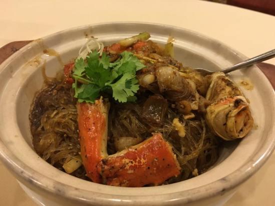 pepper alaskan crab legs tanhoon - S$32