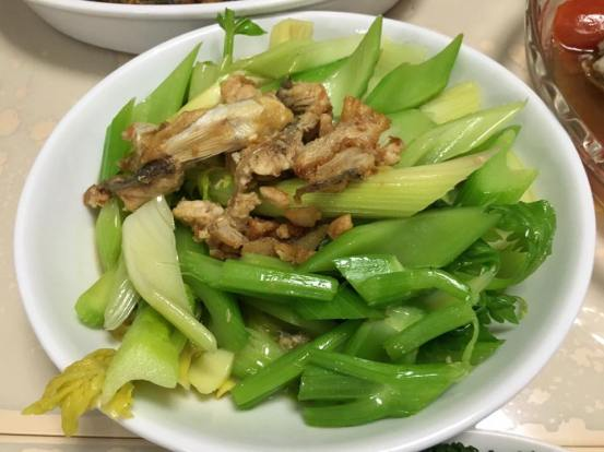 sis' excellent salted fish with celery