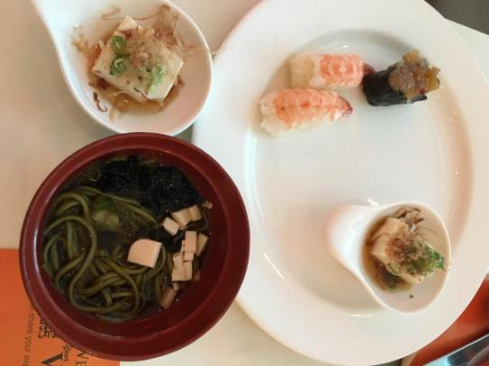 sushi, adegashi tofu, cha soba