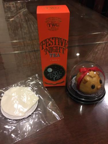 tea & cute mooncake