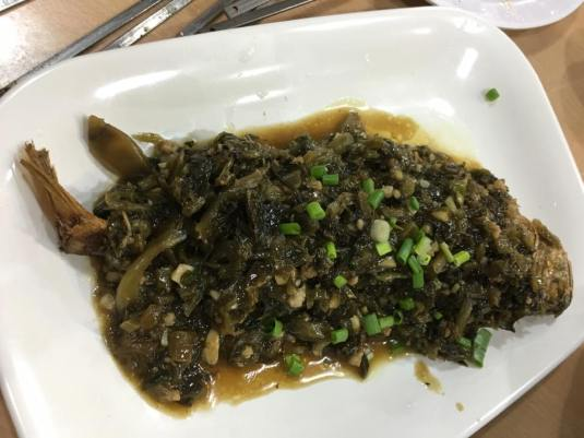 红烧雪菜小黄鱼braised yellow croaker