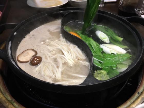 charcoal hotpot-konbu & goma soup base