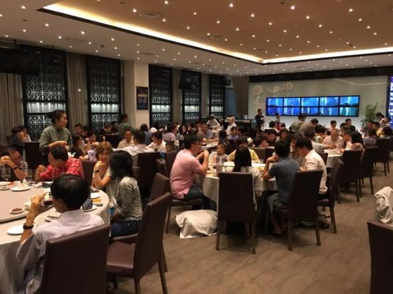 chui huay lim - very crowded