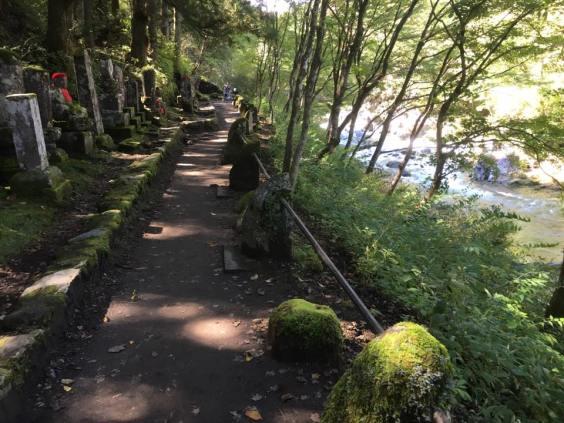 jizo-along-kanman-path2