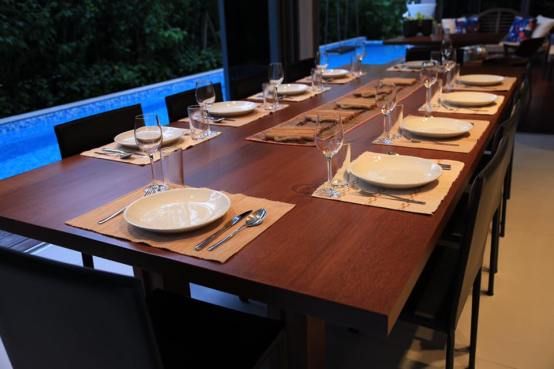 leah-prepared-the-table-for-10pax-sit-down-dinner