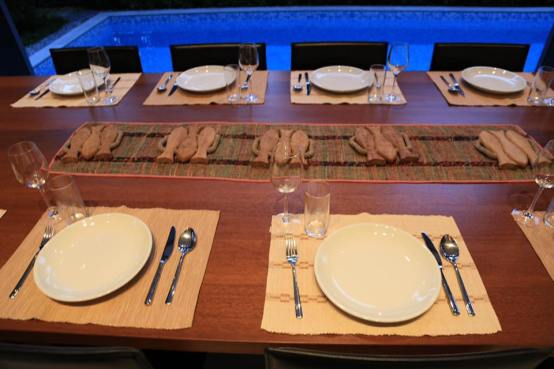 leah-prepared-the-table-for-10pax-sit-down-dinner2