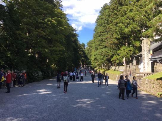 towards-toshogu-shrine