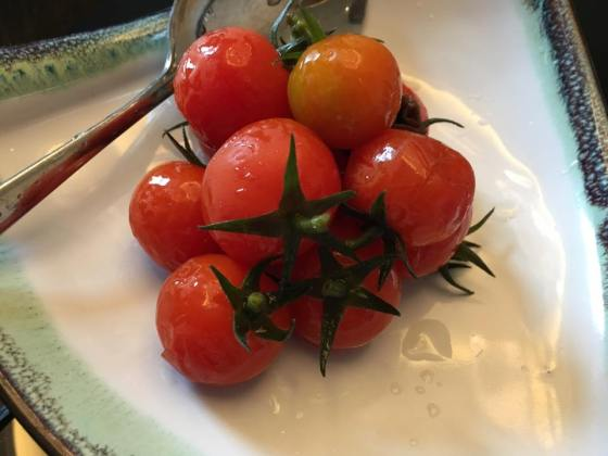 vine-tomatoes-with-plum-sauce