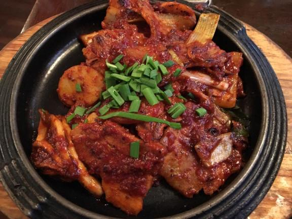 d1-grilled-belly-pork-with-gochujang-restaurant-at-insadong-%e4%bb%81%e5%af%ba%e6%b4%9e