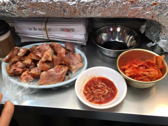 jogbal-8000-won-gwangjang-market-stall