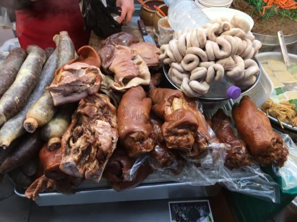 jogbal-blood-sausage2-gwangjang-market-stall