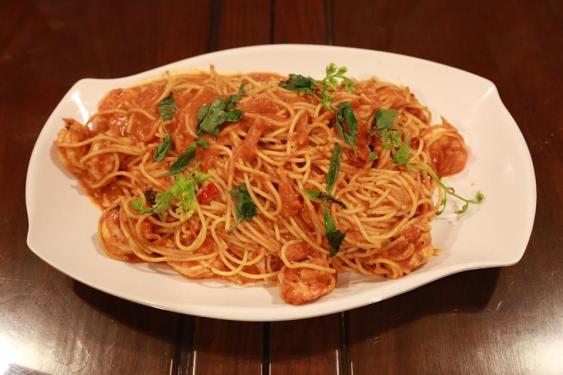 prawn pasta in pink sauce