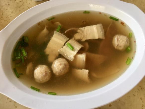 $5 ter huang kiam chye = pig innard soup