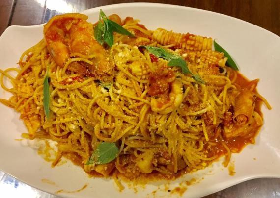 seafood spaghetti in pink sauce