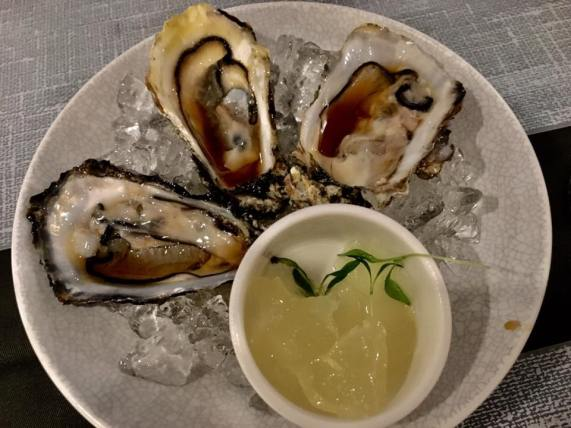 wed ladies night S$2 oysters