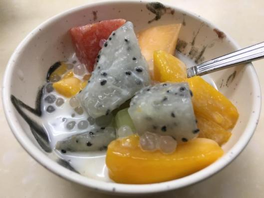 fruit sago - cheap & nice dessert at cheung chau